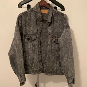 Vintage Levi Black Distressed Denim Jacket • Large